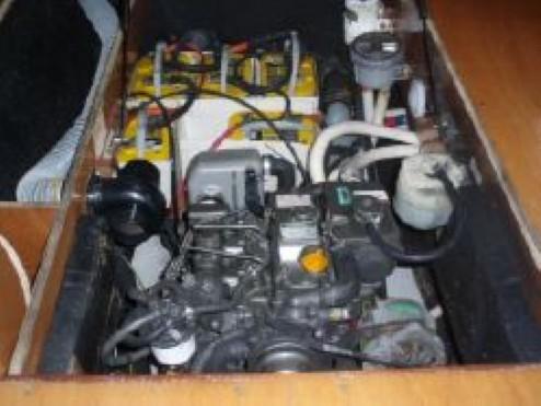 Used Sail Catamaran for Sale 2005 Lagoon 410 Engine & Mechanical